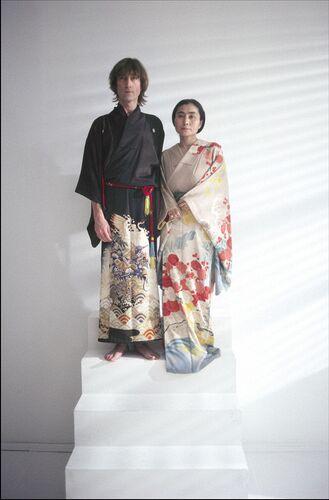 jlyo_kimonos_stairway_std.jpg
